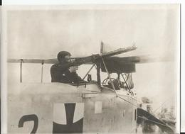 Photo - Soldat Avec Sa  Mitrailleuse - à Identifier  - Thème Aviation - Aéroplane - Avion  Guerre - Aviation