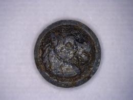 ANCIEN Bouton Tête De Cheval Chasse Vénerie Diamètre 15 Mm Env - Boutons