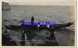 128648 ASIA MALASIA PENANG COSTUMES HYLAM FISHERMAN DRAWING NETS  POSTAL POSTCARD - Maleisië
