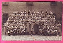 MILITARIA CARTE PHOTO   MILITAIRES  OFFICIERS DU 19° TROMPETTES ETENDARDS - Régiments