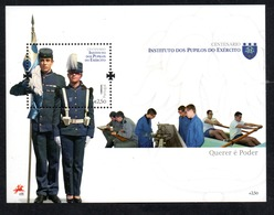 N° 321 ** - 2011 - Blocks & Sheetlets