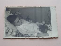 Overlijden ( Kind Enfant ) STERFBED Mortalité ( Waar ? Wanneer ? ) ( Zie Foto's Voor Details ) 11 X 7 Cm - Photographs