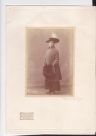 LADY WITH HAT  --  BIG FORMAT  --  28 Cm X 19,5 Cm  --  PHOTOGRAPH: MOSINGER, ZAGREB, CROATIA - Anonyme Personen