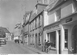 CROZON - La Rue Principale Du Bourg - Très Bon état - Crozon