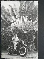 Moto , Carte Photo , Soldat Sur Sa Moto ,marque Peu Visible Sur Le Réservoir - Motos