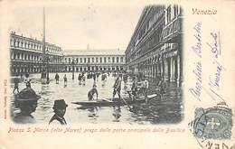 VENEZIA.- PIAZZA S. MARCO (ALTA MAREA) PRESA DALLA PORTA PRINCIPALE DELLA BASILICA - Venezia (Venice)
