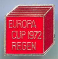 EUROPA CUP 1972 REGEN - Curling, Eisschiessen, Enamel, Vintage Pin, Badge, Abzeichen - Wintersport