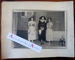Photographie Henri MANUEL - Répétition De SAPHO En 1920 (Massenet) Actrices à Identifier - Signature Photographe Théâtre - Fotos