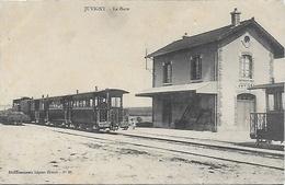 CPA Juvigny ( 51 Marne) La Gare Train Locomotive - France