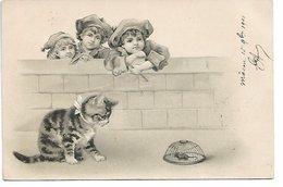 L170A417 - Dessin 3 Bambins Regardant Un Chat  Surveillant Une Souris Prise Au Piège - Carte Précurseur - Gatos