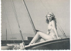 CPSM PIN UP  COLLECTION BATH GIRLS N° 21 SUR BATEAU VOILIER - Pin-Ups