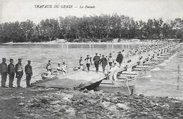 84)   AVIGNON  - Travaux Du Génie  - Train De Bateaux La Parade - Avignon
