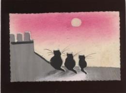 Carte Peinte Avec 3 Chats Noirs Sur Un Toit Regardant La Lune Pas D'éditeur Cachet De Réception Le Rheu - Gatos