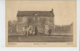 MEREVILLE - MONTREAU - L'Ecole - Mereville