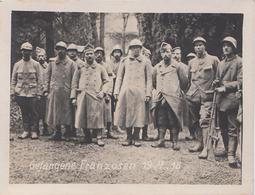 CARTE PHOTO ALLEMANDE - GUERRE 14-18 - VOSGES - VOGESEN - PRISONNIERS FRANÇAIS DU 19.4.1918 - FUSIL CHAUCHAT - Oorlog 1914-18