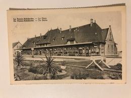Carte Postale Ancienne La Panne -Adinkerke - La Gare; De Panne-Adinkerke - De Statie - De Panne