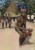 AK - KENYA - Dancing Girl With A Scarf - Kenia