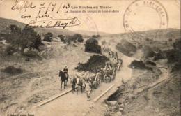 MAROC  SOUK-EL-ARBA  La Descente Des Gorges De Souk-el-Arba  ..... - Maroc