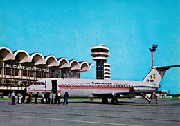 AVIATION CIVILE - ENV. 1980 - AVION BIMOTEUR BAC 1-11 Au SOL - AÉROPORT De BUCAREST - OTOPENI (ad626) - 1946-....: Moderne