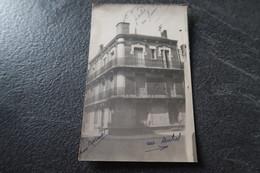 CPA - Photo - VICHY (03) - Maison à L'intersection De La Rue Carnot Et De La Rue Michel - 1947 - Vichy