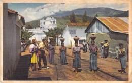 GUATEMALA - Women Carrying Water / Femmes Portant De L'eau - CPA PAN AM - AMERIQUE DU SUD South America Sudamerica - Guatemala