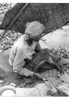 Photo Cambodge Travail De Casseur De Cailloux Pour Survivre Photo Vivant Univers - Places