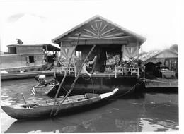 Photo Cambodge Village Sur Pilotis Des Pêcheurs Vietnamiens Lac Tonlé Sap Photo Vivant Univers - Places