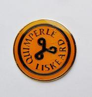 Pin's Quimperlé Liskeard Triskel - BRETAGNE R35 - Steden