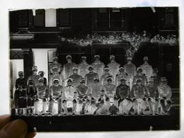 GROUPE MILITAIRES POSTE 25 BASE A ROSIERES 1915 PLAQUE DE VERRE PHOTOGRAPHE MERGER A HORTES 17.5 X 13 CM - Diapositiva Su Vetro