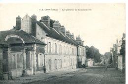 N°2108 T -cpa Clermont -la Caserne De Gendarmerie- - Police - Gendarmerie