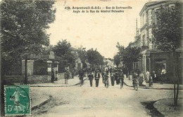 VAL D'OISE  ARGENTEUIL  Rue De Sartrouville  Angle De La Rue Du Général Delambre - Argenteuil