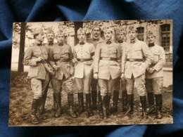 Carte Photo Groupe De Militaires, écrite 1920 L484 - Fotografia