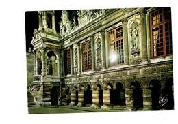 Cpm - 17 -  La Rochelle - Vue De Nuit - Cour D'honneur Hôtel De Ville - N 5955 Elcé - Statue Coquille - La Rochelle