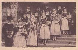 BRETAGNE, CORTEGE D'HONNEUR D'UN BEAU MARIAGE A LOCRONAN. FRANCE POSTAL CARD CIRCA 1900's, NOT CIRCULATED TBE -LILHU - Locronan