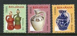 ROMANIA 2005 Ceramics Definitive (3) MNH / **.  Michel 5916-18 - 1948-.... Repubbliche