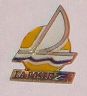 Pin's VOILIER LA POSTE C - Barcos