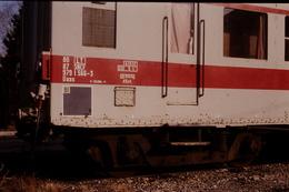 Photo Diapo Diapositive Train Wagon Voiture SNCF Service V Inspection Caténaires Détail Avignon Le 15/01/1992 VOIR ZOOM - Diapositives