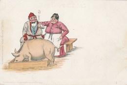 CPA Couple Regardant Un Cochon Mangeant Dans Une Auge Porc Pig  Animal Illustrateur Allemand (2 Scans) - Cerdos