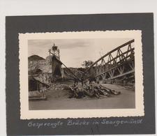 57 - SARREGUEMINES - PHOTO 100 X 70 - DESTRUCTION DU PONT DE CHEMIN DE FER - Sarreguemines