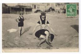 14 - DEAUVILLE - CPA RR PS V - PARTIE DE SAUTE-MOUTON, Joyeux ébats Sur La Plage - Nozis éd. N° 18 - Deauville