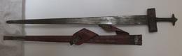 Art Africain épée  TAKOUBA Touareg Avec Fourreau Cuir 97 Cm Lame 79,50 Cm - Art Africain