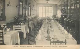 """CPA FRANCE 03 """"Vichy, Hotel Du Nouvel Etablissement"""" - Vichy"""