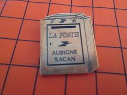912c Pin's Pins / Beau Et Rare  / THEME : POSTES /  LA POSTE BOITE AUX LETTRES AUBIGNE RACAN - Poste