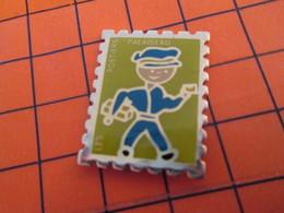 916c Pin's Pins / Beau Et Rare  / THEME : POSTES /  LA POSTE TIMBRE-POSTE PALAISEAU FACTEUR LES POSTIERS - Postwesen