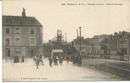 REDON. Train. Passage à Niveau. Place Saint Sauveur. - Redon