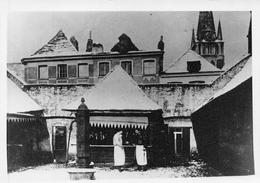 Tournai - Carte Photo Jules Messiaen - Un étal De Boucher Placette Aux Oignons Dans Le Fond De L'église St Jacques - Tournai