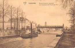 Tournai - Remorqueur Passant En Dessous Du Pont De Fer - Doornik
