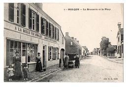 HOLQUE LA BRASSERIE ET LA PLACE TRES ANIMEE - France