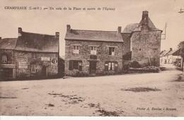 CHAMPEAUX  Un Coin De La Place Et Route De L EPINAY - Frankreich