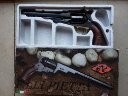 Remington 1858 Modèle Army Calibre 44  Pietta - Decotatieve Wapens